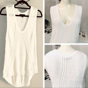BR sleeveless sweater tunic V neck white large